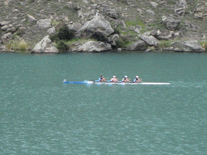 The womens 4x in action